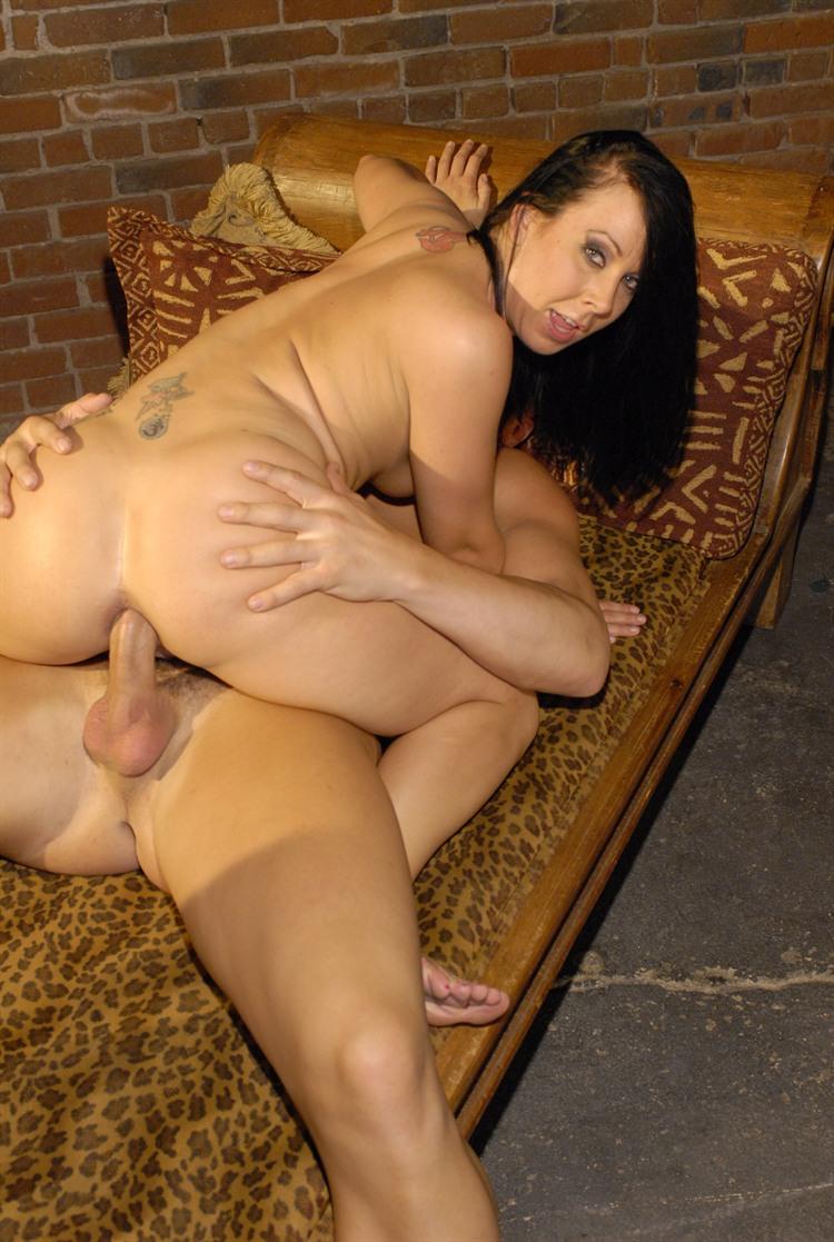 Julie Night порноактриса