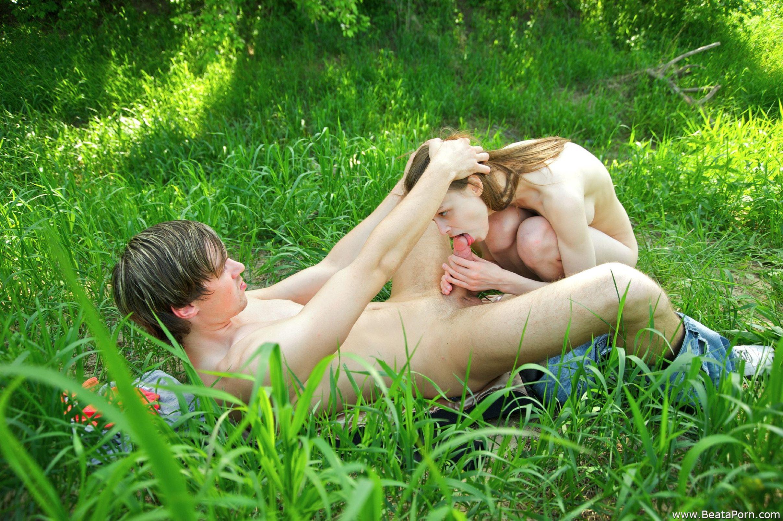 Секс у речки 16 фотография