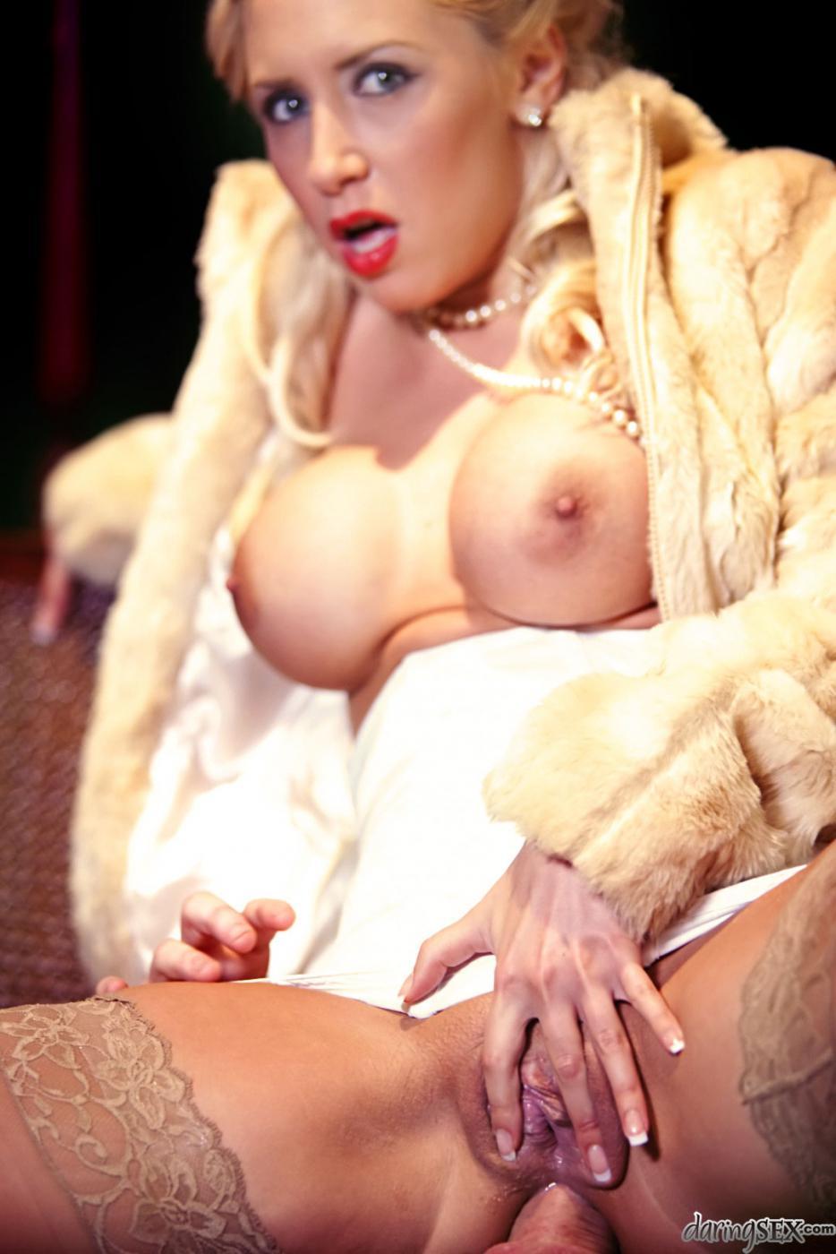 hot greek women nude pics