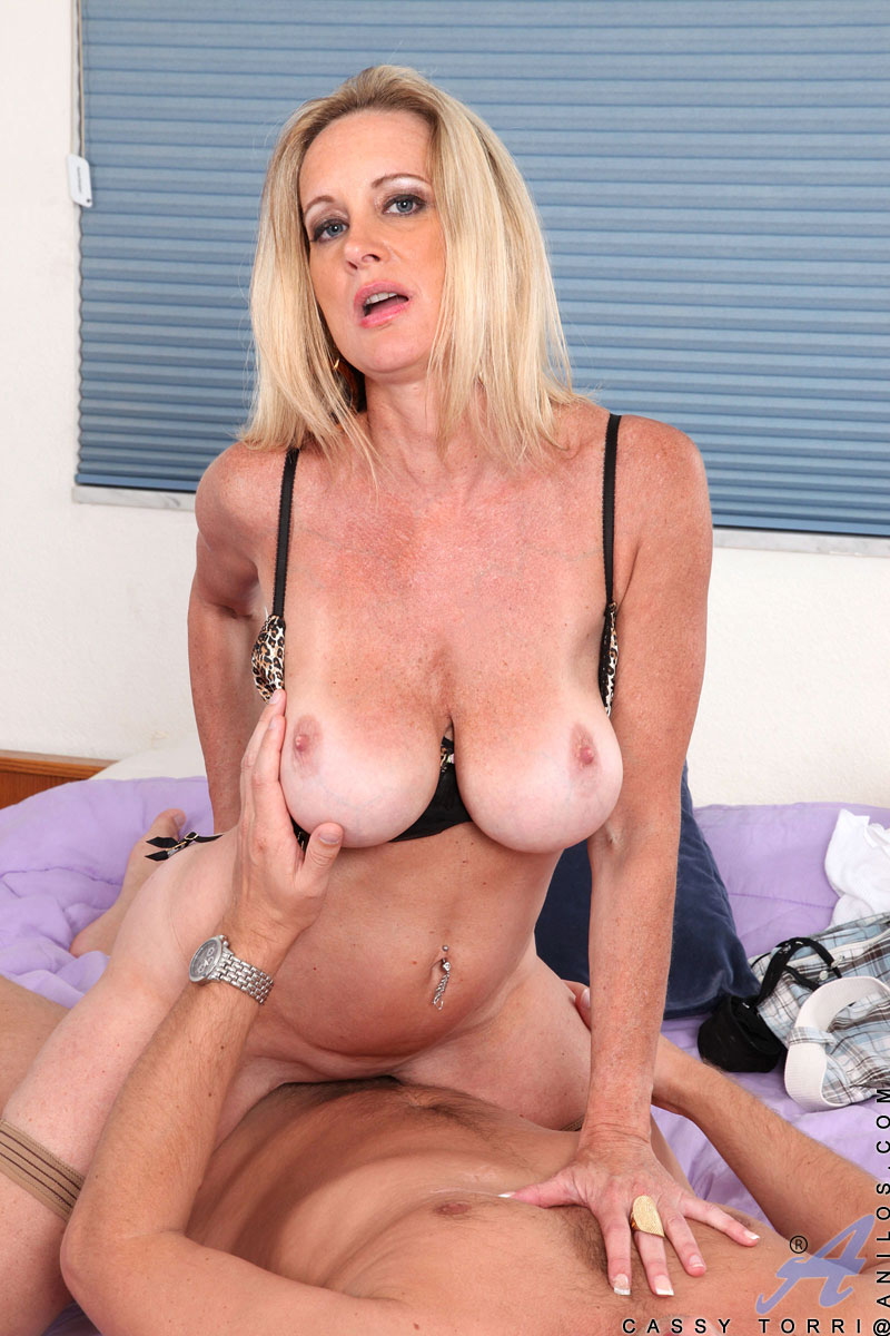 Tited big porn star