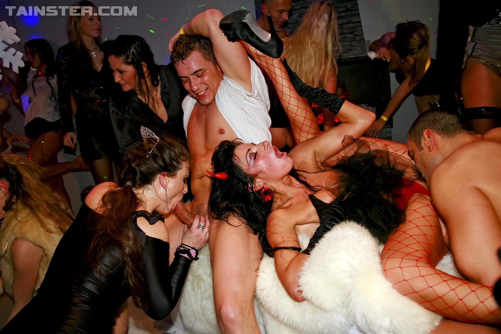 Реальный ночной секс клуб 12 фотография
