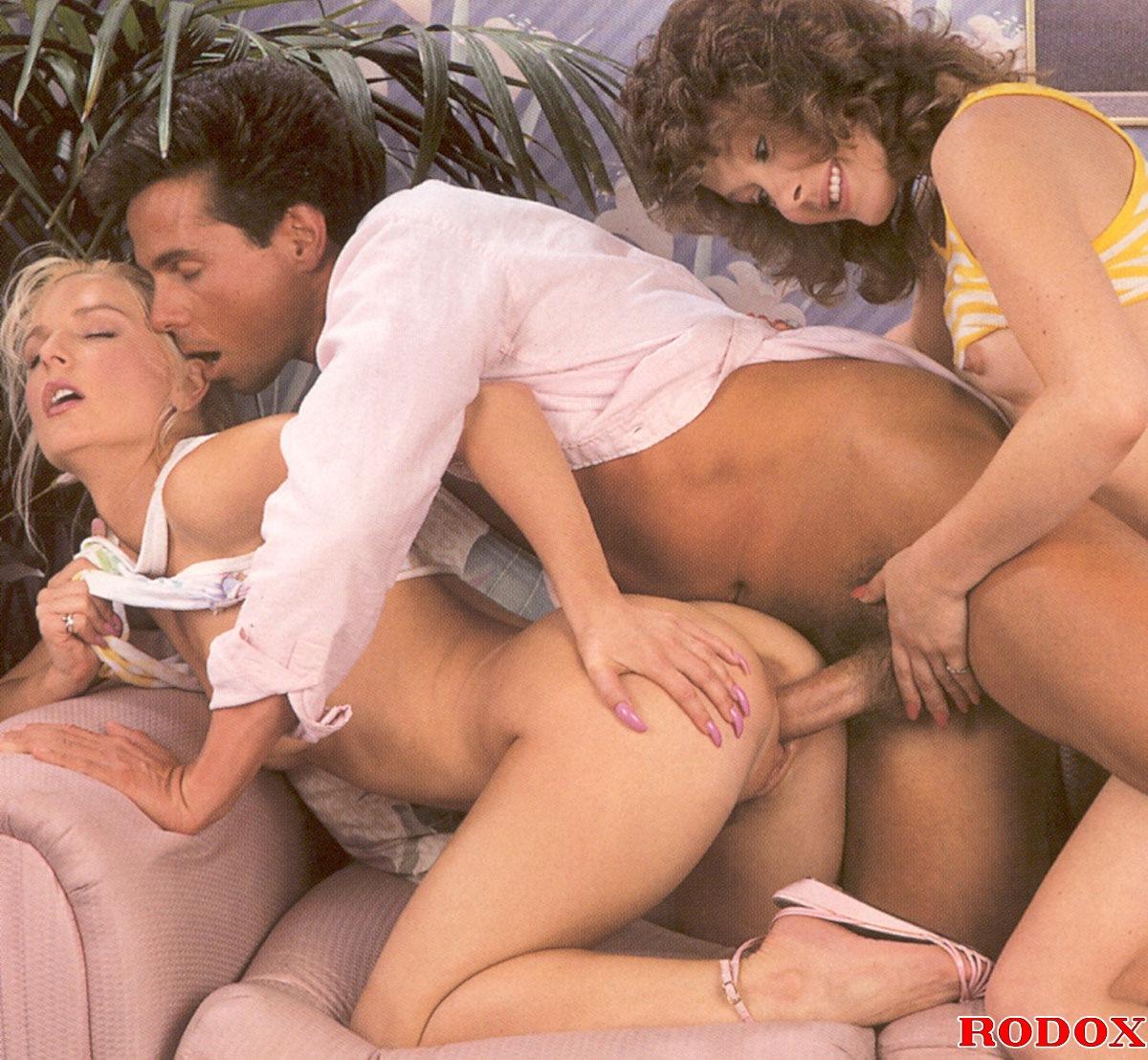 naked sonic x girls