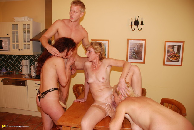 bang gang hardcore porn hardcore porn photo mom mature slut bitch gang bang sperma