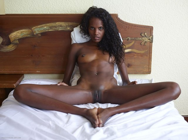 best hardcore porn scenes picture pussy young ebony pictures close clit bed spreading