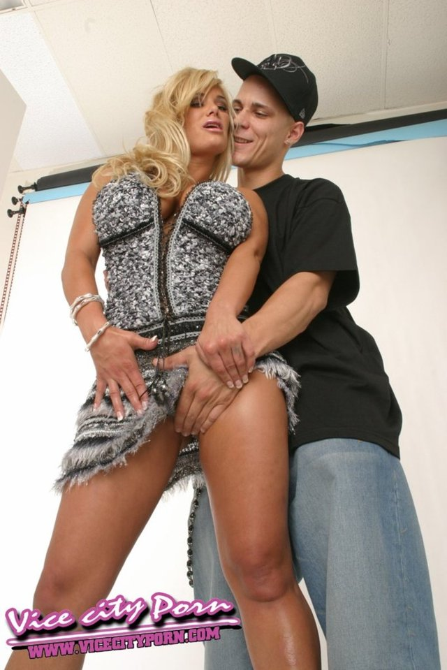 hard core fuck pictures free hardcore pictures shyla stylez vicecityporn