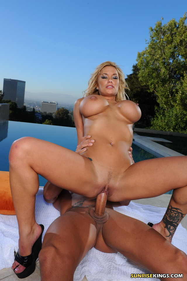 hard core intercourse hardcore blonde large busty intercourse strip pool landing swimming sunrisekings gekw
