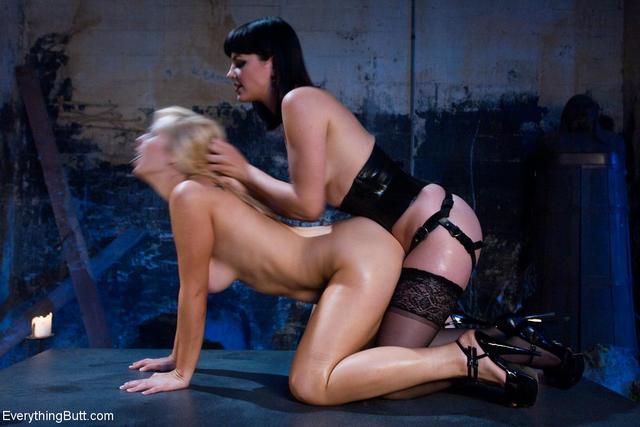 lesbian strap on sex movies № 316642