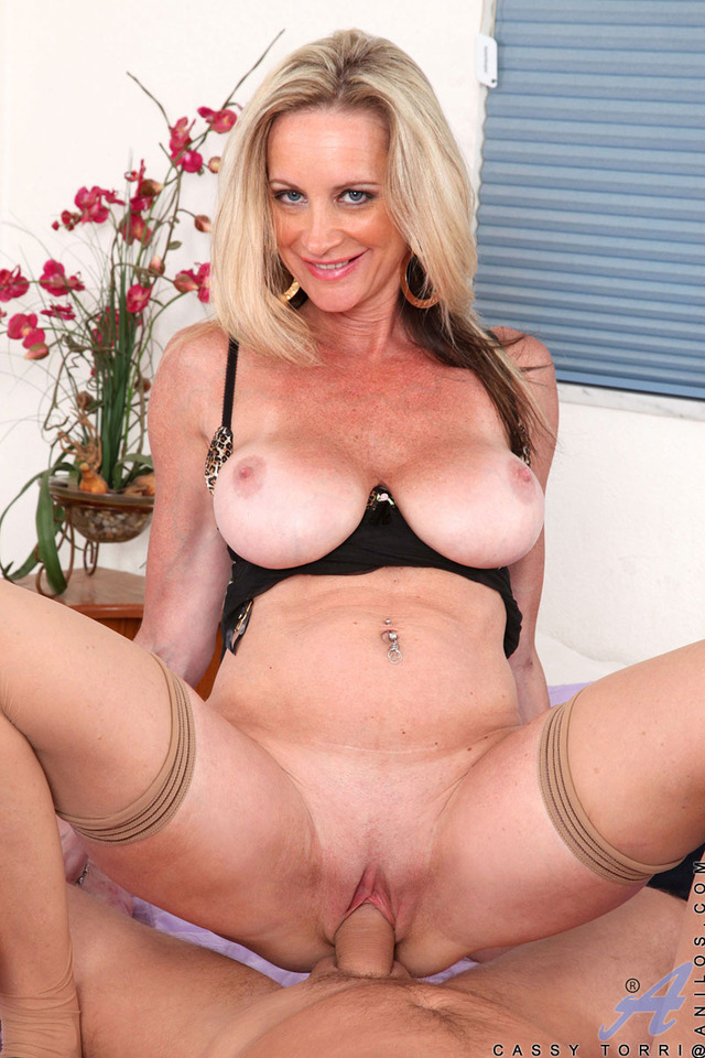 hardcore picture of porn star hardcore porn blonde black mature blowjob leather tits high milf stockings close heels ece cassy torri