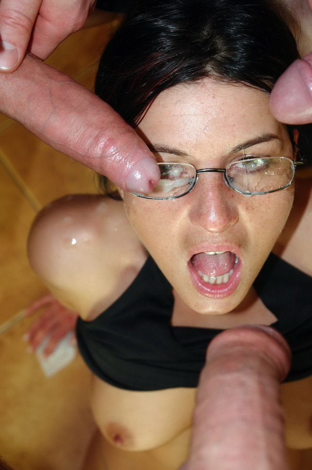 hardcore porn sex star giving oral women