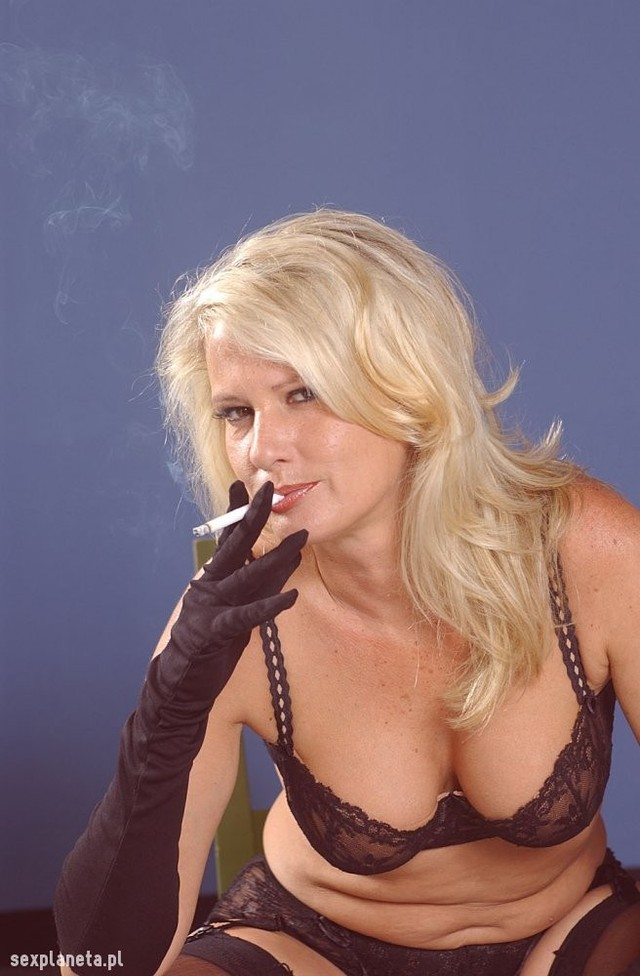 bridgett lee hardcore lee smoking bridgett