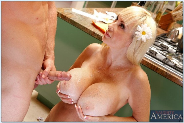 brittany o'neil hardcore hardcore pics blonde fucked mature gets tits pictures brittany massive oneil