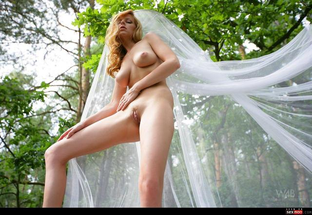 carmen kees hardcore busty outdoor redhead wmimg trimmed set carmen complete labia gemini kees bgirls