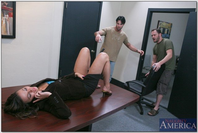 crissy moon hardcore hardcore pics enjoys threesome crissy moon office system collegues
