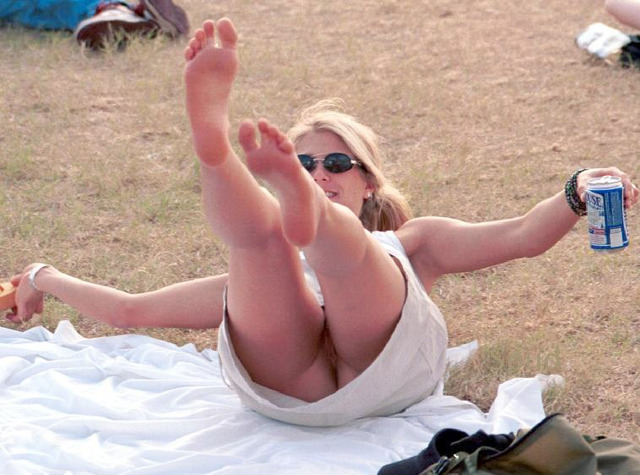 public up skirt pic having fun upskirt shes