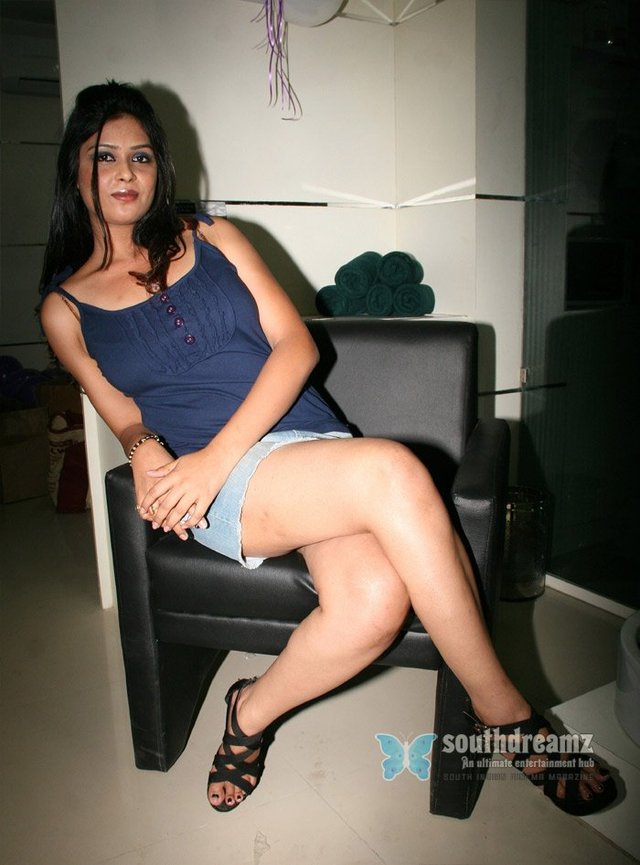 sexy upskirt shots sexy model models pictures indian upskirt spicy southdreamz deepa hyderabad