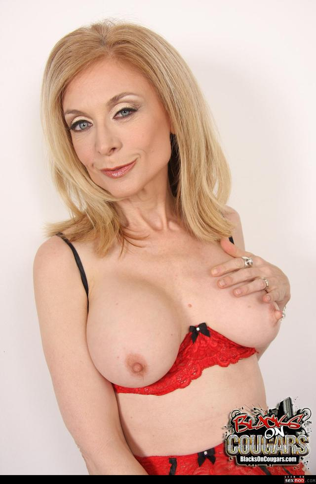 stockings hardcore hardcore sexy blonde black mature interracial milf wmimg stockings show sofa pichunter nina hartley
