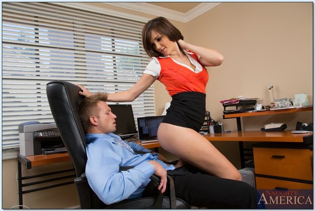 holly michaels hardcore hardcore babe pics cunt holly shaved gets pictures naughty michaels office nailed