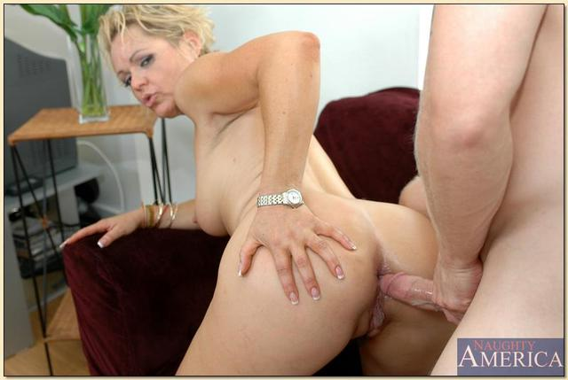 kelly leigh hardcore hardcore pics blonde mature titted leigh kelly kitchen shafted