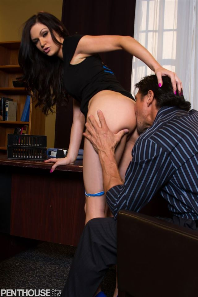 kendall karson hardcore giving brunette blowjob large penthouse from shaved high heels wearing office secretary mas kendall karson platform cyyfqye