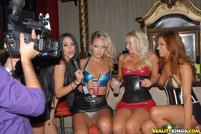molly cavalli hardcore hardcore blowjob large lesbians heels realitykings asshole molly strip latex fff landing cavalli dqdpos