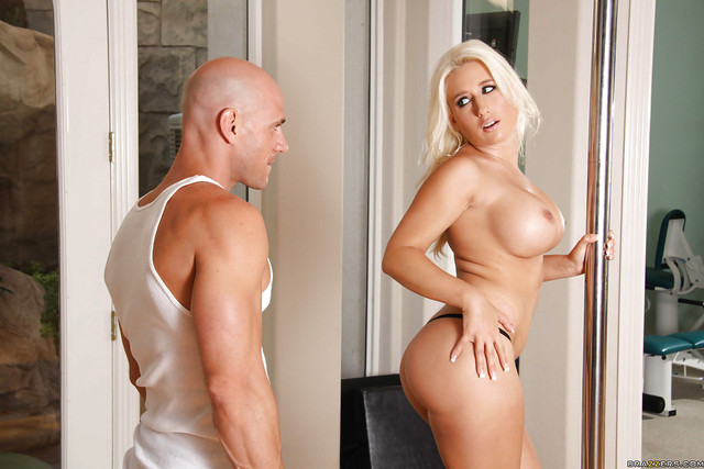 sammie spades hardcore hardcore pics ass blonde gets pictures busted ample sammie spades bonked