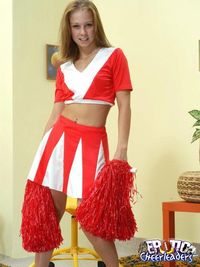 Cheerleader Sex Pix brown haired cheerleader