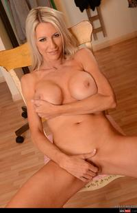 Hardcore Milf Images wmimg busty emma starr hardcore milf prettybabes titfuck
