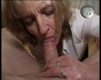 Hardcore Old Ladies mature lady giving blowjobs mere mon pote