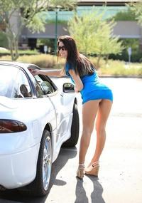 Public Upskirt Photo roadside upskirt pantyless