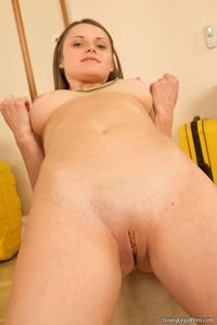 Small Pussy Hardcore bde girls tight shaved pussy pics