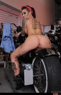 Christy Mack Hardcore wmimg barelist christy mack hardcore motorbike shaved skank tattoo