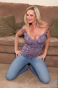 Cassy Torri Hardcore galleries gallery mature anilos cassy torri slips down tight fitting jeans exposing ass hyt