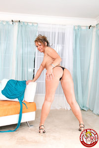 Kelly Leigh Hardcore slutty mom kelly leigh